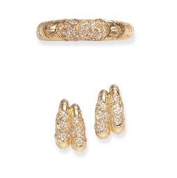 A SET OF GOLD AND DIAMOND