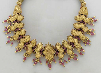 A SUITE OF INDIAN GOLD, RUBY A
