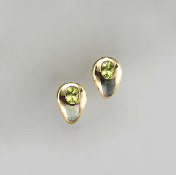 A PAIR OF PERIDOT, MOTHER-OF-P