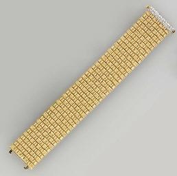 A 18K GOLD AND DIAMOND BRACELE