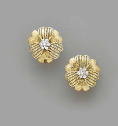 A PAIR OF GOLD AND DIAMOND FLO