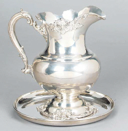 AN AMERICAN SILVER SALVER TOGE