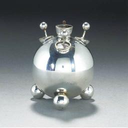 A Richard Hodd Smoker's Set