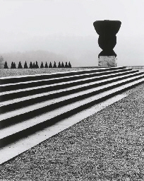 Covered Urn, Versailles, 1987;