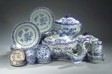 A blue and white part dinner-s