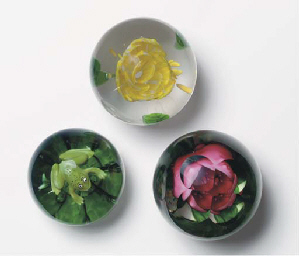 THREE PEDESTAL FLOWER WEIGHTS,