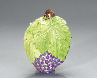 A FRENCH PEARLWARE GRAPE FORM