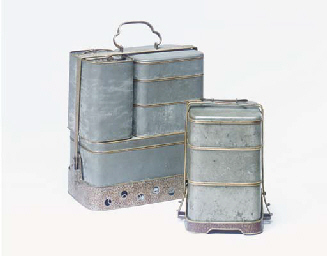 A GROUP OF THREE METAL LUNCH B