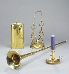 A GROUP OF BRASS AND COPPER KI