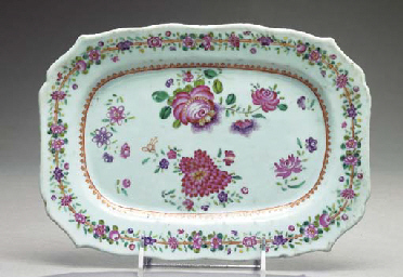 TWO CHINESE EXPORT PORCELAIN A