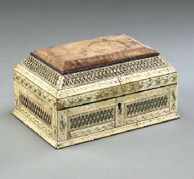 A RUSSIAN ENGRAVED IVORY CASKE