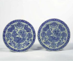 A pair of rare Dutch Delft blu