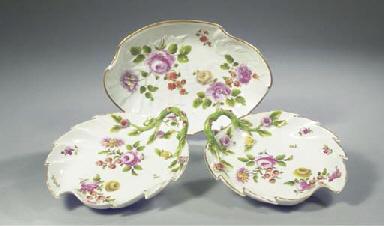 A pair of Vienna porcelain lea