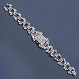 A DIAMOND COCKTAIL WRISTWATCH