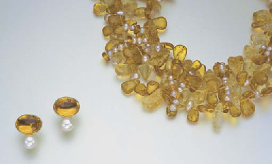 A SUITE OF AMBER, CITRINE AND