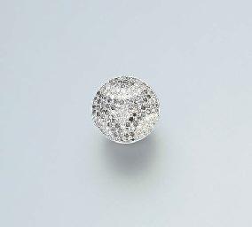 A DIAMOND AND GREY DIAMOND RIN