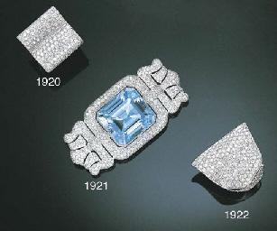 A BLUE TOPAZ AND DIAMOND BROOC