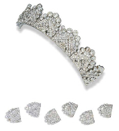 AN ART DECO DIAMOND TIARA