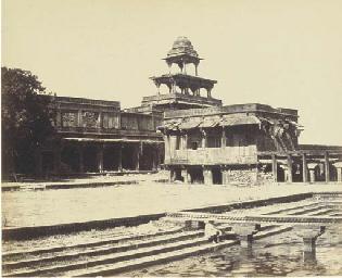 Courtyard of Akbar's Palace. F