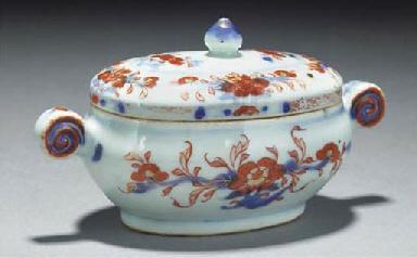 A Chinese imari sauce tureen,