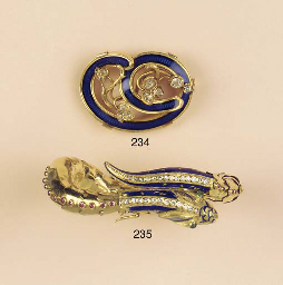 TWO ANTIQUE BROOCHES