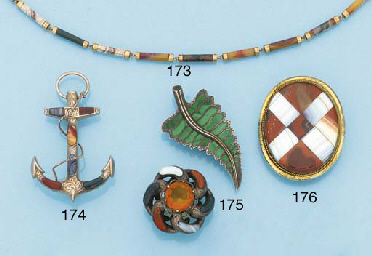 A group of Sottish jewellery a