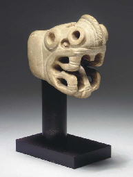 A COSTA RICAN STONE EFFIGY MAC