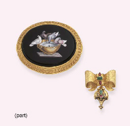 A GROUP OF ANTIQUE JEWELLERY