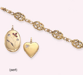A GROUP OF GOLD PENDANTS, NECK