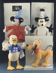 Steiff Disney Showcase Collect