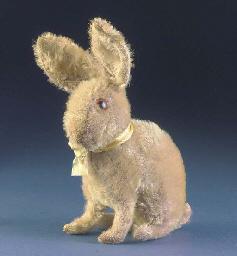 A Steiff seated rabbit