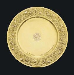 A Queen Anne silver-gilt sideb