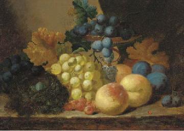Grapes, peaches and a bird's n