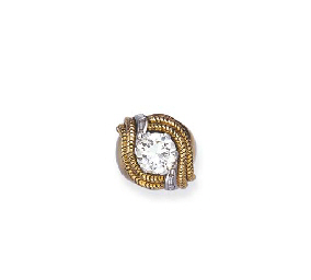 A RETRO DIAMOND AND GOLD RING