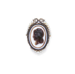 AN ANTIQUE AGATE, PEARL AND DI