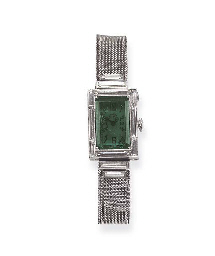 AN UNUSUAL ART DECO DIAMOND AN