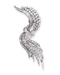 A DIAMOND BROOCH