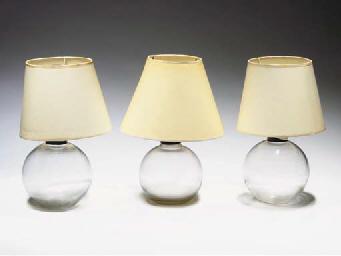 TROIS PIEDS DE LAMPE