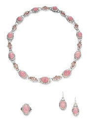 A SUITE OF CONCH PEARL, PINK CORAL AND DIAMOND JEWELLERY