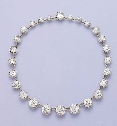 AN IMPORTANT ANTIQUE DIAMOND COLLET NECKLACE