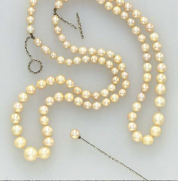 A GROUP OF NATURAL PEARL, CULTURED PEARL, DIAMOND AND PLATINUM JEWELRY