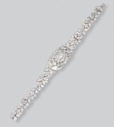A DIAMOND BRACELET, BY GRAFF
