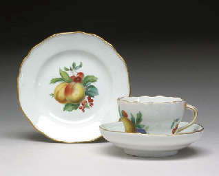 A SET OF FOUR MEISSEN PORCELAI