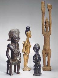 QUATRE STATUETTES AFRICAINES