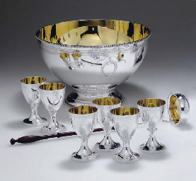 AN ELIZABETH II SILVER PUNCH BOWL WITH SIX GOBLETS AND A LAD...