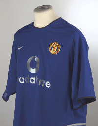 A BLUE MANCHESTER UNITED SHORT