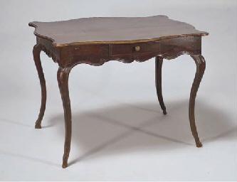 TABLE DITE CABARET DE STYLE LO