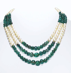 AN EMERALD BEAD AND PEARL NECK