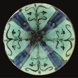A Kashan turquoise-glazed bowl