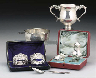 A QUANTITY OF SILVER & PLATE COMPRISING
